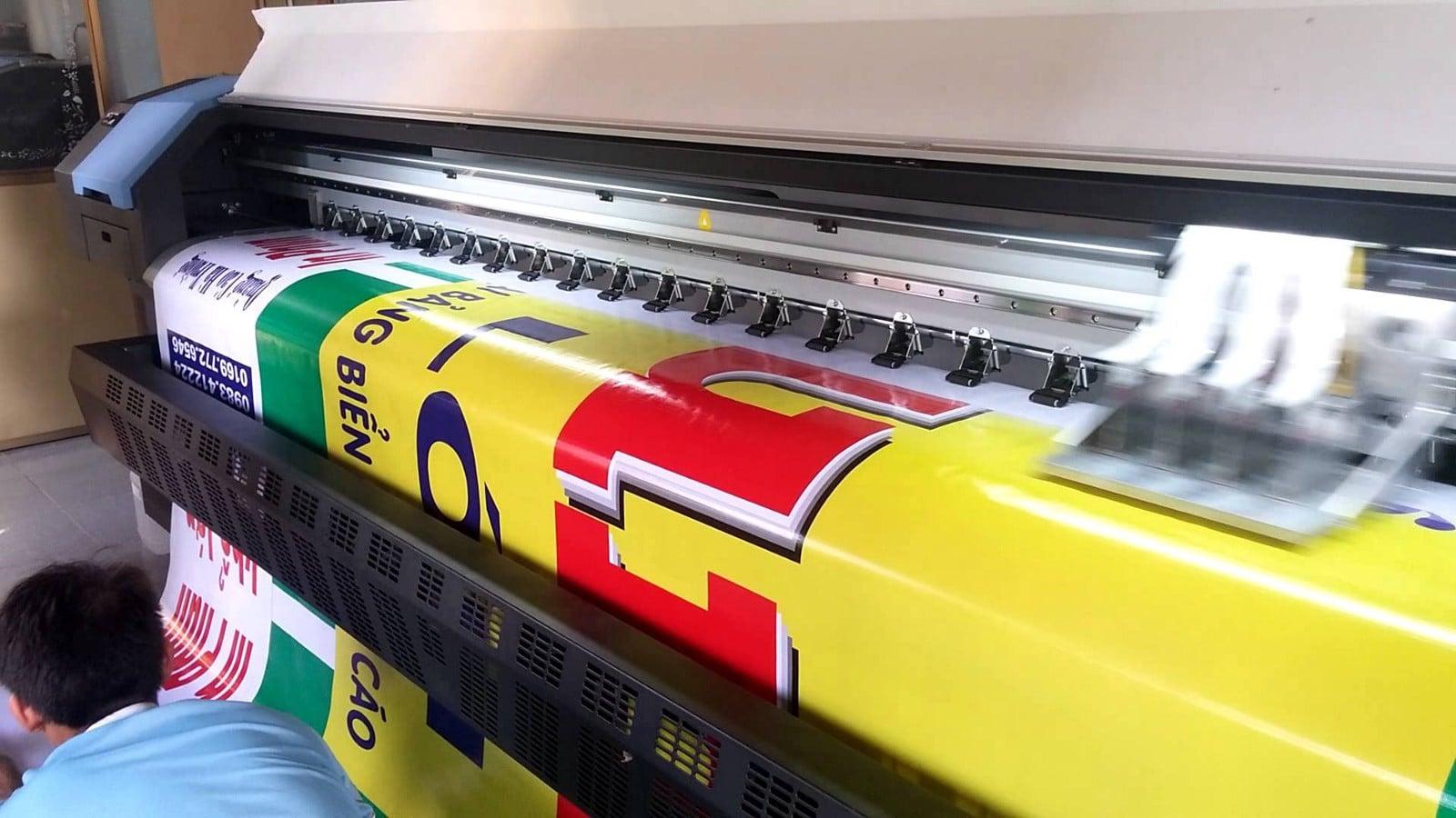 Xưởng In Hiflex quảng cáo - Chất liệu In Hiflex - Hình ảnh được chụp bởi NamVietAd.com