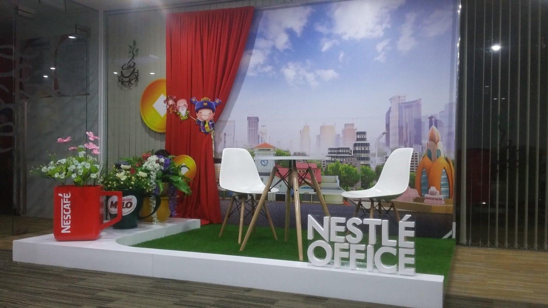 Lắp đặt backdrop trọn gói - Hình ảnh được chụp bởi NamVietAd.Com