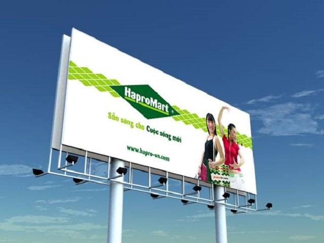 Bảng hiệu quảng cáo ngoài trời - Hình ảnh được chụp bởi NamVietAd.Com