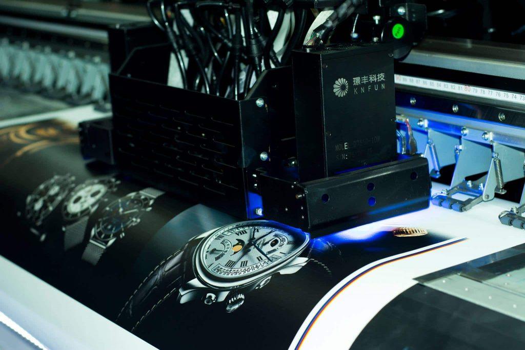 In UV trên chất liệu Bạt 3M - Hình ảnh được chụp bởi NamVietAd.Com