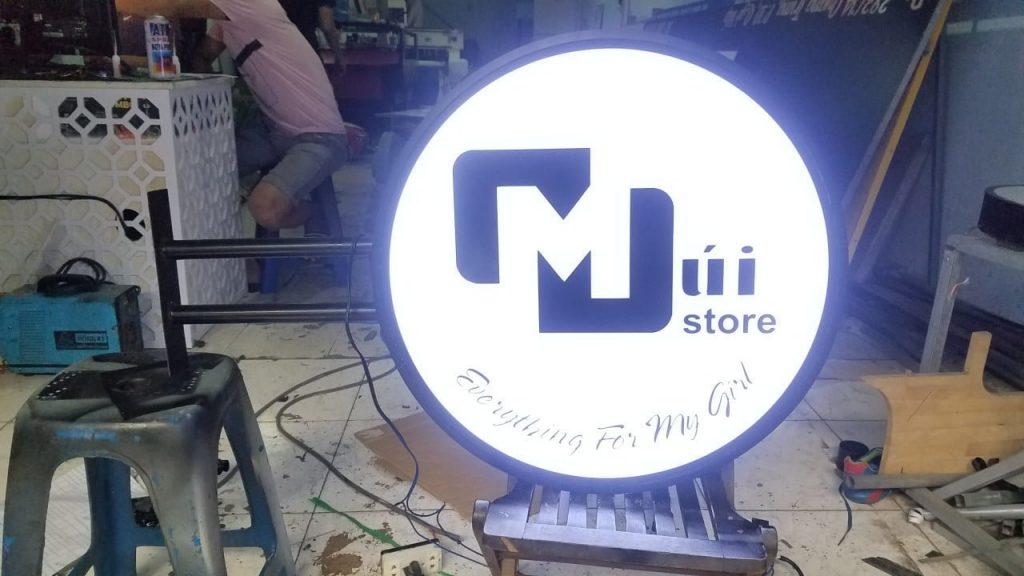 Làm hộp đèn quảng cáo có ưu điểm gì?- Hình ảnh được chụp bởi NamVietAd.Com