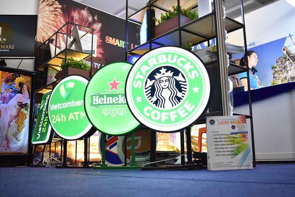 Hộp đèn quảng cáo là gì? - Hình ảnh được chụp bởi NamVietAd.Com